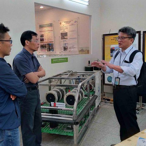 金屬工業發展中心蒞臨參訪本所研發之水下載具